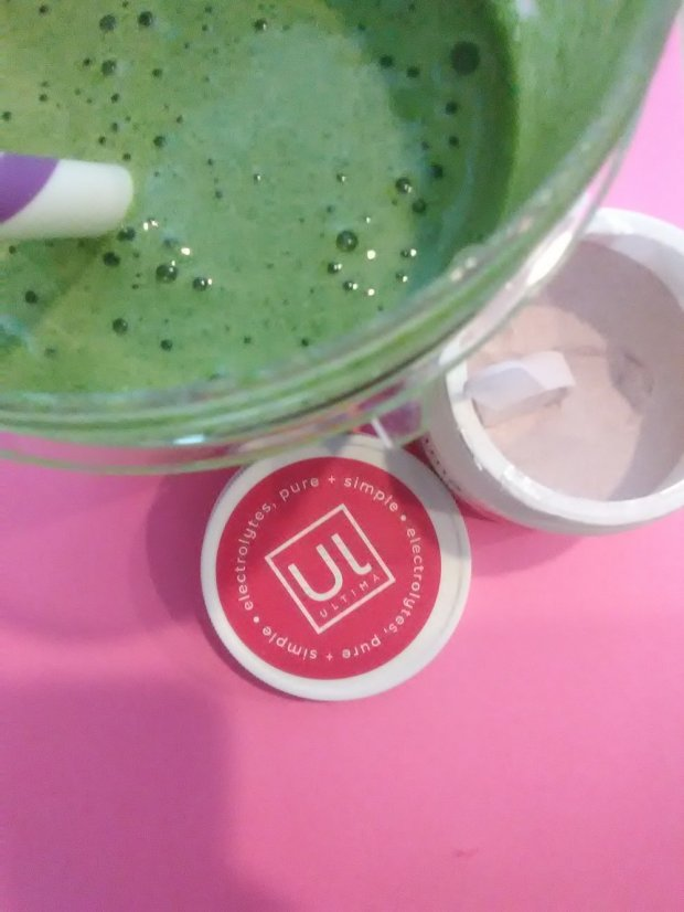 Ultima Replenisher isn't just for water! You can add it to smoothies for a delicious new way to get in your electrolytes.